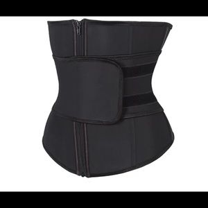 So Shic Fitnesses waist trainer